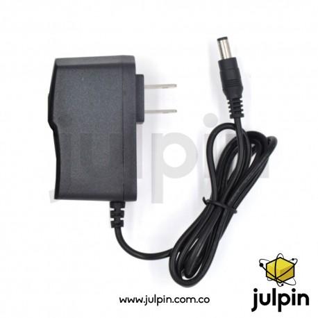 Adaptador de corriente 12V a 1A